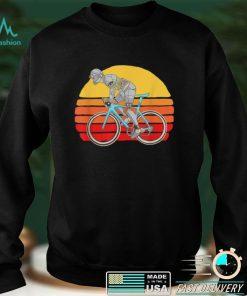 Official Retro Futurism Robot Cyclist Bicycle Futuristic Sunset Bike T Shirt
